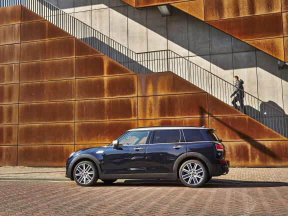 MINI CLUBMAN ESTATE SPECIAL EDITIONS 1.5 Cooper Shadow Edition 6dr