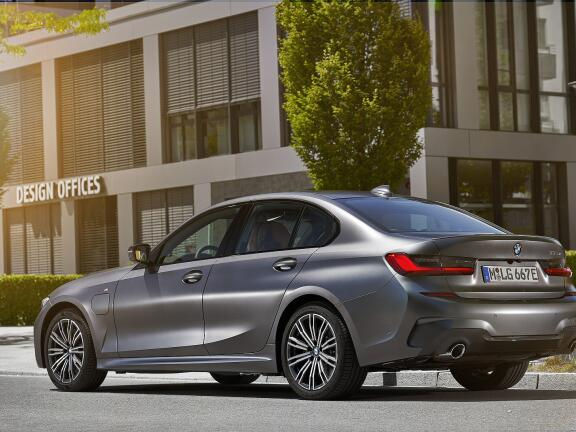 BMW 3 SERIES TOURING SPECIAL EDITIONS 330e M Sport Pro Edition 5dr Step Auto [Tech Pack]