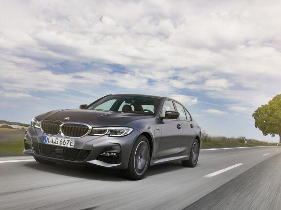 BMW 3 SERIES TOURING SPECIAL EDITIONS 330e xDrive M Sport Pro Ed 5dr Step Auto [Tech Pk]