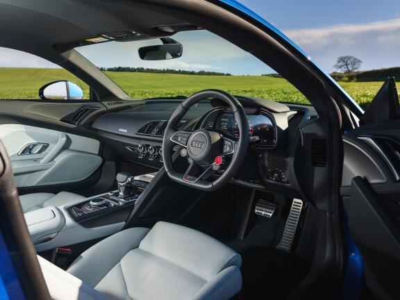 AUDI R8 COUPE 5.2 FSI V10 Quattro Perform Carbon Bk 2dr S Tronic