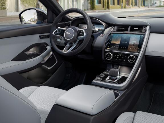 JAGUAR E-PACE ESTATE 2.0 R-Dynamic SE 5dr Auto