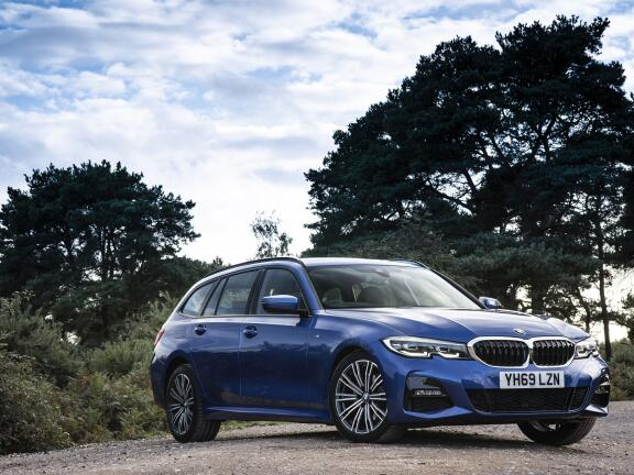 BMW 3 SERIES DIESEL TOURING 320d xDrive MHT M Sport 5dr Step Auto [Pro Pack]