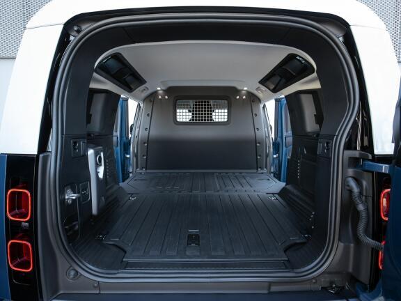 LAND ROVER DEFENDER ESTATE 2.0 P300 S 110 5dr Auto [7 Seat]