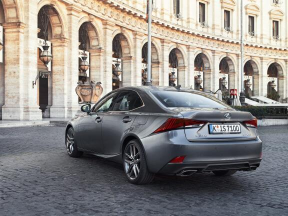 LEXUS IS SALOON 300h 4dr CVT Auto [Premium Pack]