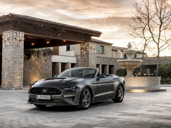 FORD MUSTANG CONVERTIBLE 5.0 V8 449 GT 2dr