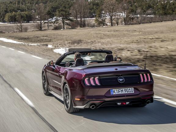 FORD MUSTANG CONVERTIBLE 5.0 V8 449 GT [Custom Pack 4] 2dr
