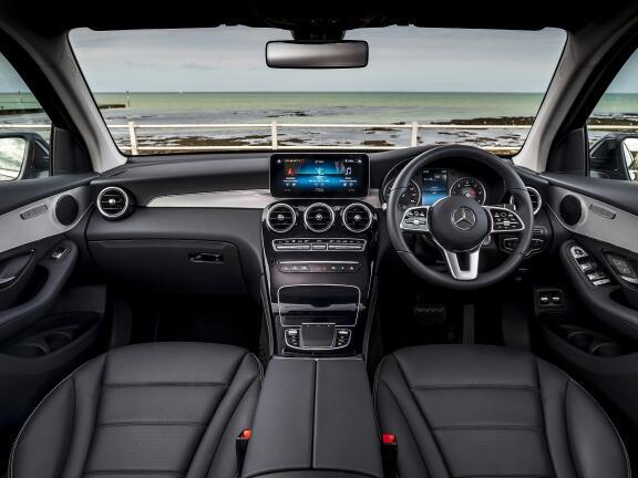 MERCEDES-BENZ GLC DIESEL ESTATE GLC 220d 4Matic AMG Line Premium 5dr 9G-Tronic
