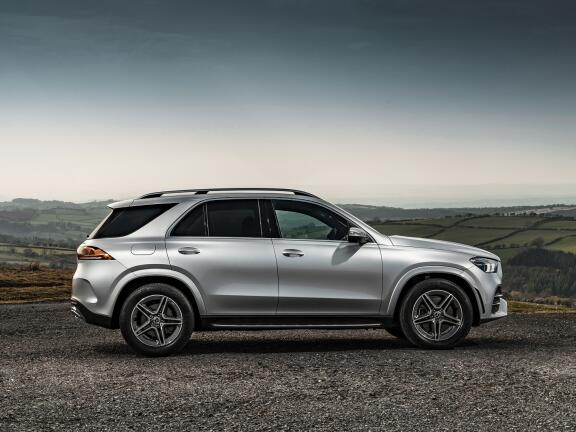 MERCEDES-BENZ GLE DIESEL ESTATE GLE 300d 4Matic AMG Line 5dr 9G-Tronic