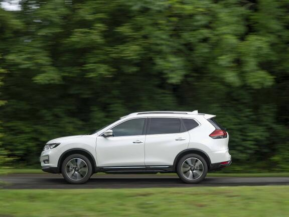 NISSAN X-TRAIL DIESEL STATION WAGON 1.7 dCi N-Connecta 5dr [7 Seat]