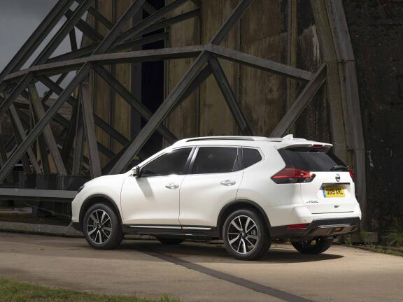 NISSAN X-TRAIL DIESEL STATION WAGON 1.7 dCi N-Connecta 5dr 4WD [7 Seat]