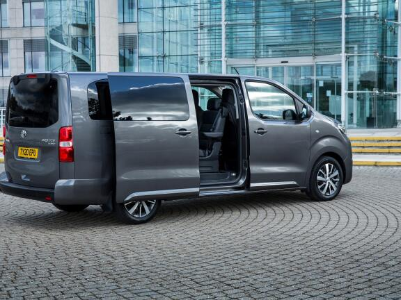 TOYOTA PROACE VERSO DIESEL ESTATE 2.0D Family Compact 5dr