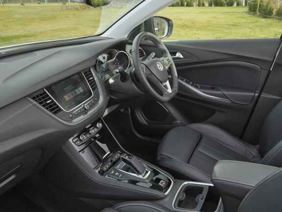VAUXHALL GRANDLAND X HATCHBACK 1.6 Hybrid4 300 Elite Nav 5dr Auto