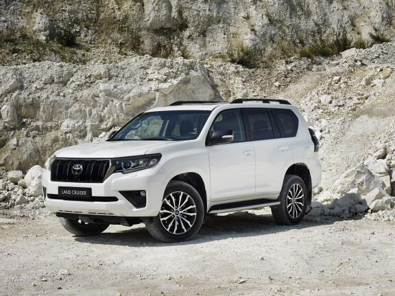 TOYOTA LAND CRUISER DIESEL SW 2.8 D-4D Invincible 5dr Auto 7 Seats [Sunroof]