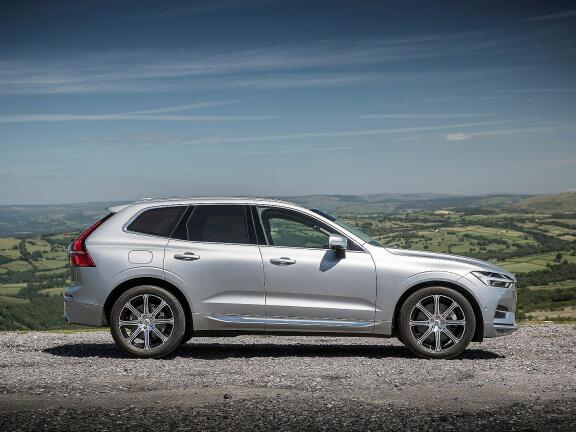 VOLVO XC60 ESTATE 2.0 T8 390 Hybrid Inscription Pro 5dr AWD G tronic