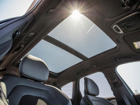 VOLVO XC60 DIESEL ESTATE 2.0 B4D Inscription 5dr AWD Geartronic