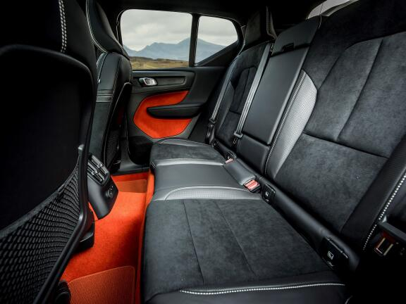 VOLVO XC40 ESTATE 2.0 B4P Inscription Pro 5dr Auto