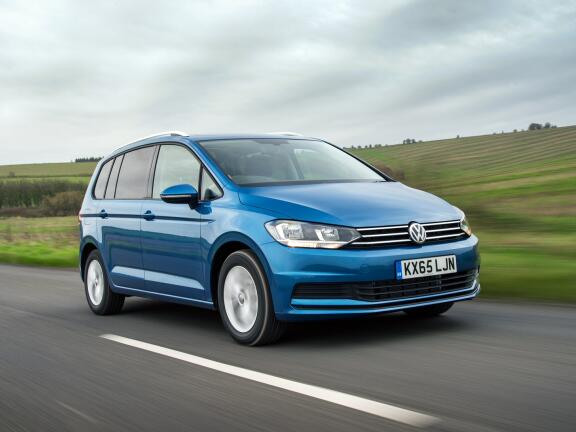 VOLKSWAGEN TOURAN DIESEL ESTATE 2.0 TDI SE Family 5dr DSG [7 Speed]