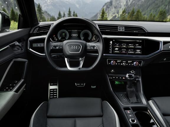 AUDI Q3 DIESEL ESTATE 35 TDI Quattro Sport 5dr [Comfort+Sound Pack]