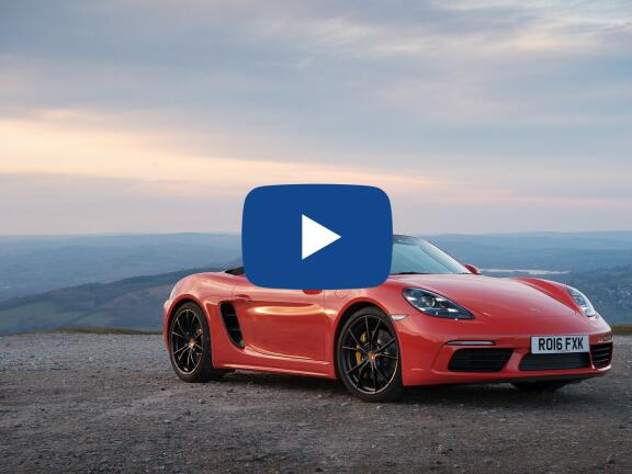 Video Review: PORSCHE 718 BOXSTER ROADSTER 2.5 S 2dr PDK
