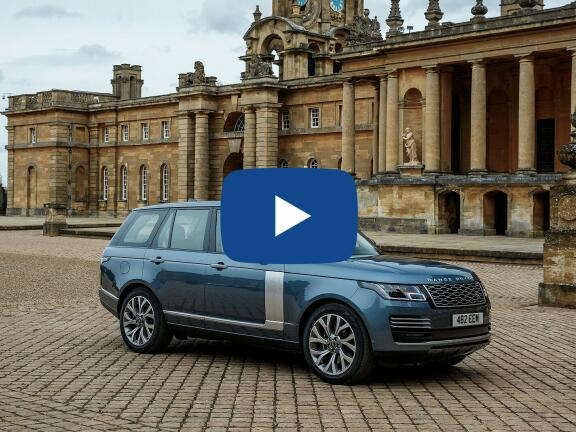 Video Review: LAND ROVER RANGE ROVER ESTATE 2.0 P400e Vogue 4dr Auto