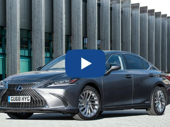 Video Review: LEXUS ES SALOON 300h 2.5 F-Sport 4dr CVT [Takumi Pack]