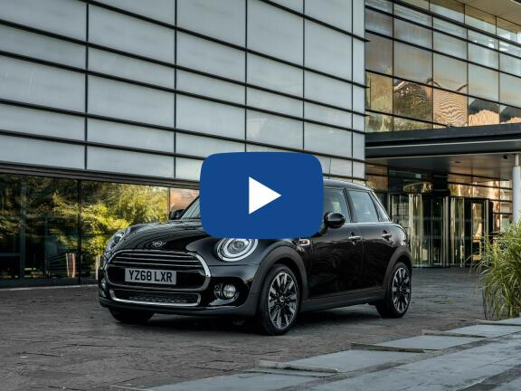 Video Review: MINI HATCHBACK 1.5 One Classic II 5dr Auto [Comfort/Nav Pack]