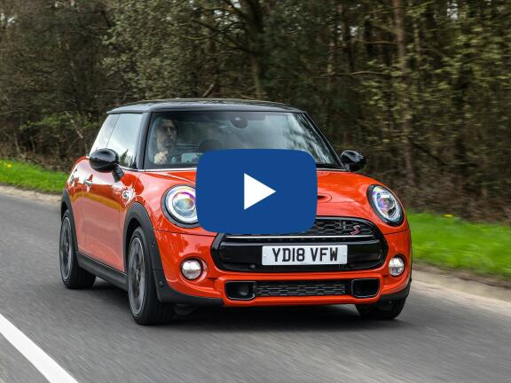 Video Review: MINI HATCHBACK 2.0 Cooper S Sport II 3dr Auto [Comfort/Nav Pack]