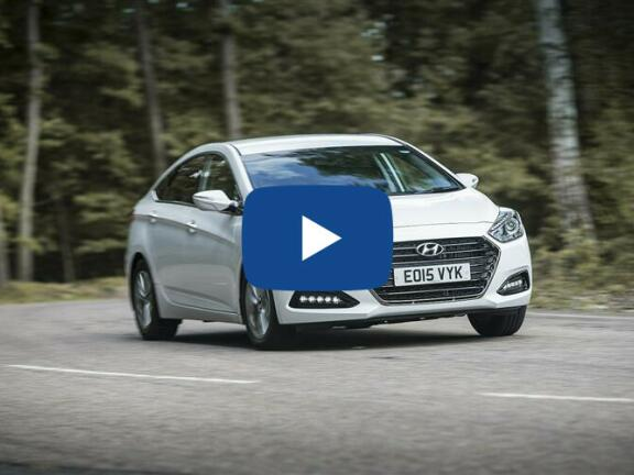 Video Review: HYUNDAI I40 DIESEL TOURER 1.6 CRDi [136] SE Nav 5dr DCT
