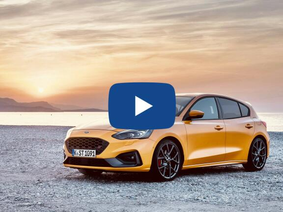 Video Review: FORD FOCUS HATCHBACK 2.3 EcoBoost ST 5dr Auto
