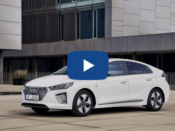Video Review: HYUNDAI IONIQ HATCHBACK 1.6 GDi Hybrid Premium SE 5dr DCT