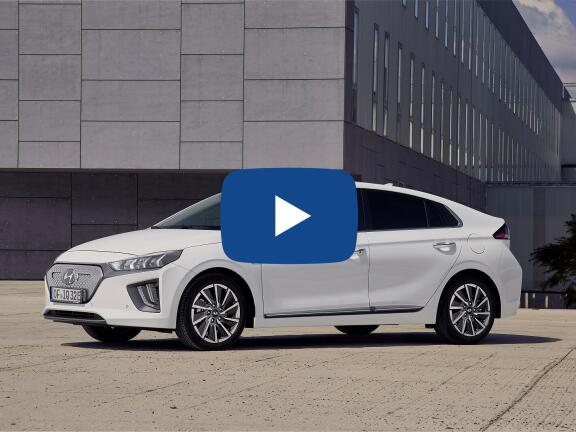 Video Review: HYUNDAI IONIQ ELECTRIC HATCHBACK 100kW Premium 38kWh 5dr Auto