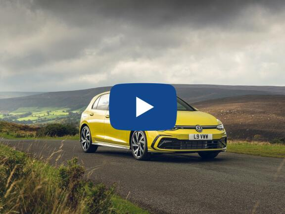 Video Review: VOLKSWAGEN GOLF HATCHBACK 1.5 TSI Style 5dr