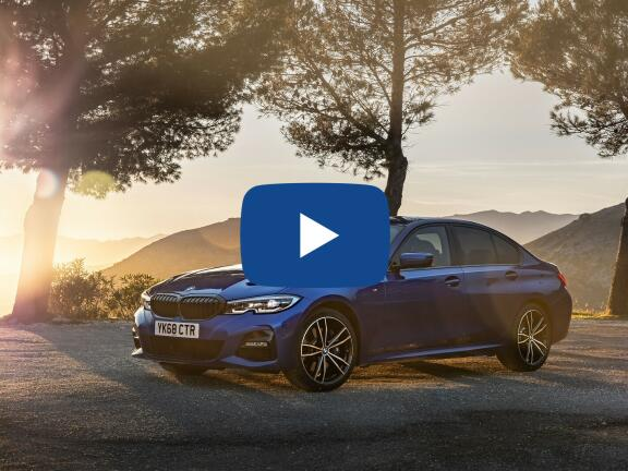Video Review: BMW 3 SERIES SALOON 318i M Sport 4dr Step Auto [Tech Pack]