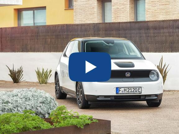 Video Review: HONDA e HATCHBACK 100kW 36kWh 5dr Auto