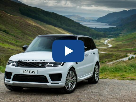 Video Review: LAND ROVER RANGE ROVER SPORT ESTATE 2.0 P400e HSE Silver 5dr Auto