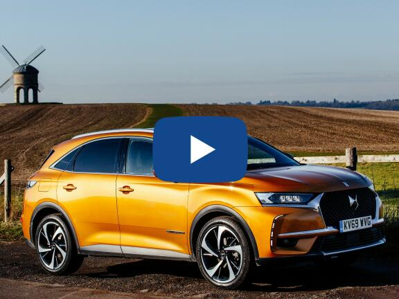 Video Review: DS DS 7 CROSSBACK HATCHBACK 1.6 E-TENSE Performance Line 5dr EAT8