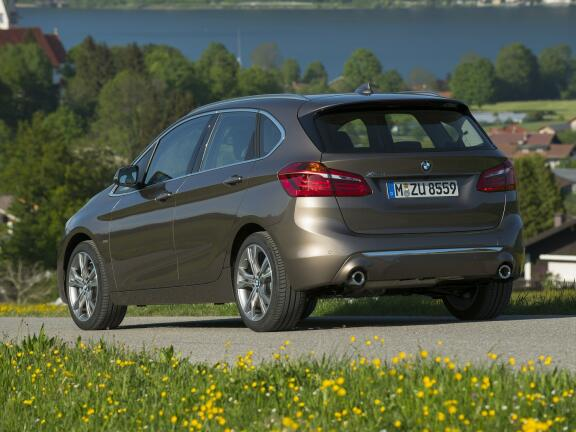 BMW 2 SERIES DIESEL ACTIVE TOURER 218d SE 5dr Step Auto