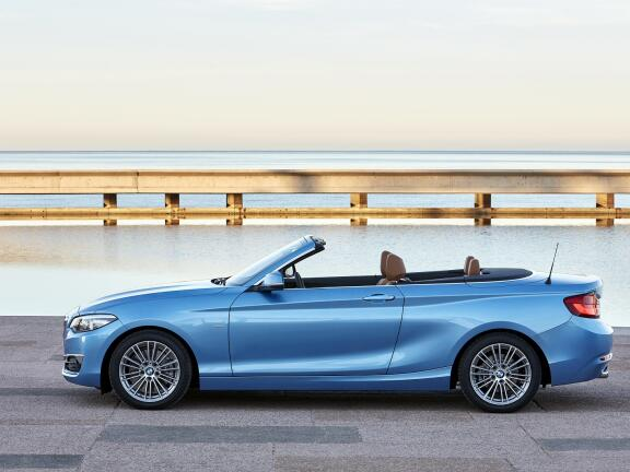 BMW 2 SERIES CONVERTIBLE 218i SE 2dr [Nav] Step Auto