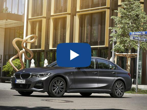 Video Review: BMW 3 SERIES SALOON 330e Sport Pro 4dr Step Auto