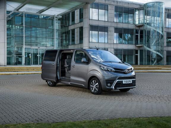 TOYOTA PROACE VERSO DIESEL ESTATE 2.0D 140 Shuttle Long 5dr