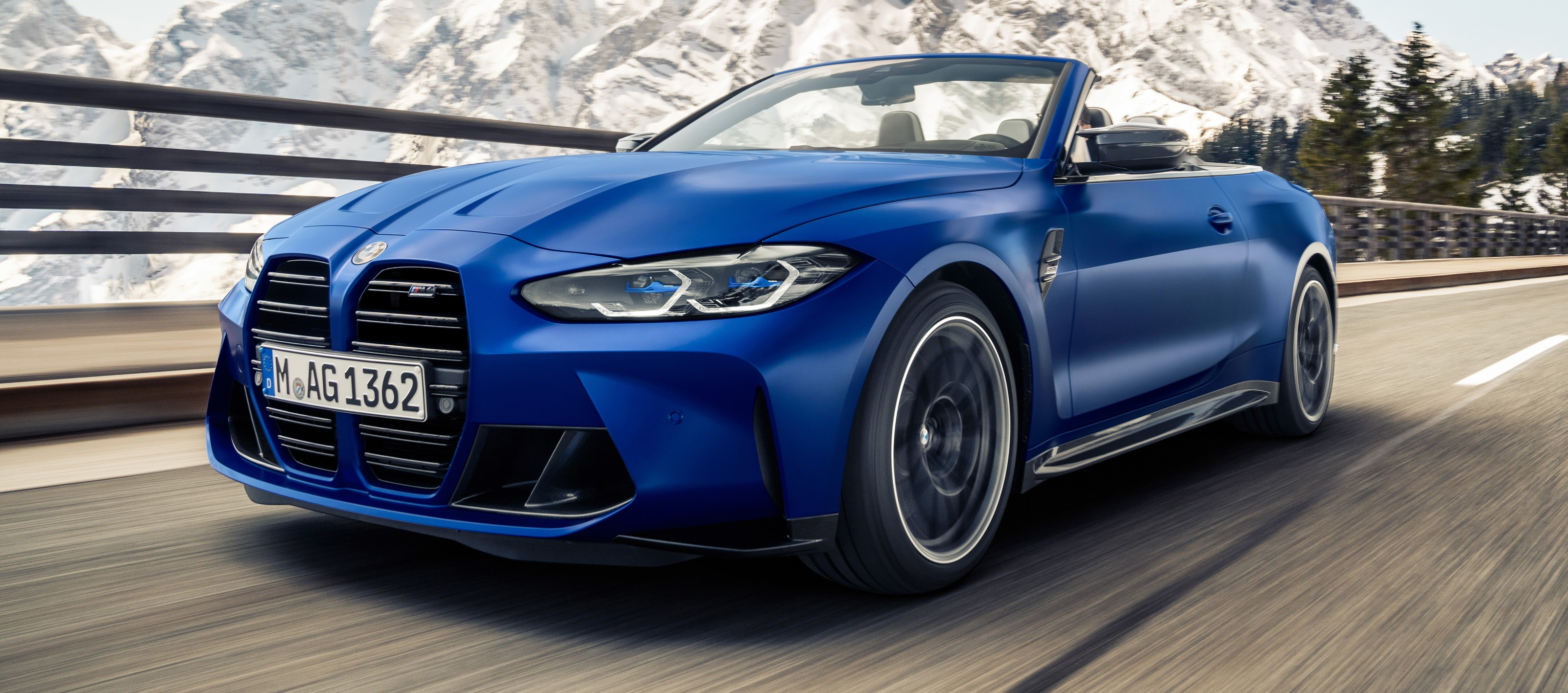 New BMW M4 Competition Convertible raises the roof